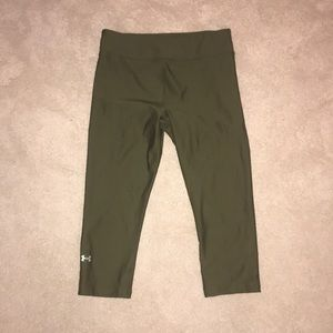Army Green Cropped Under Armour Leggings